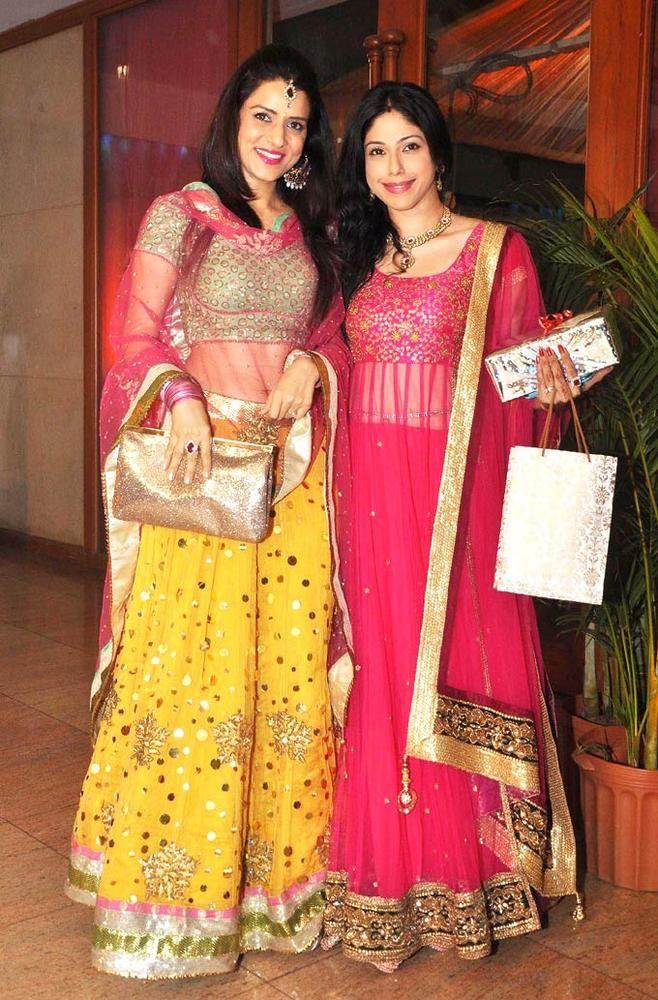 Simple Kaul And Aditi Malik At Ravi Dubey Sargun Mehtas Wedding Reception Fashion