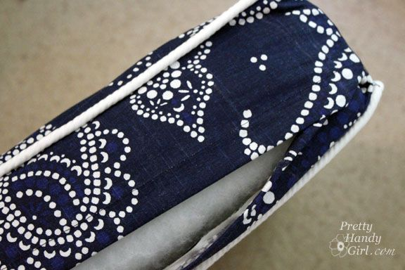 Sewing A Bench Cushion With Piping Bench Cushions Diy
