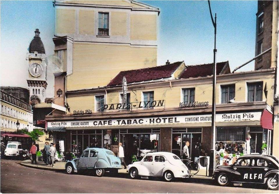 Paris Et La Gare De Lyon En 1960 Mon Paris Pinterest