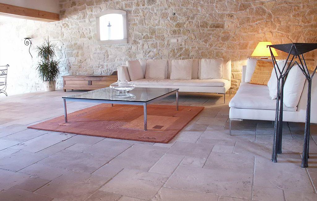 Natursteine \ antike Fliesen für Ihr Wohnzimmer von topceramic+ - fliesen im wohnzimmer