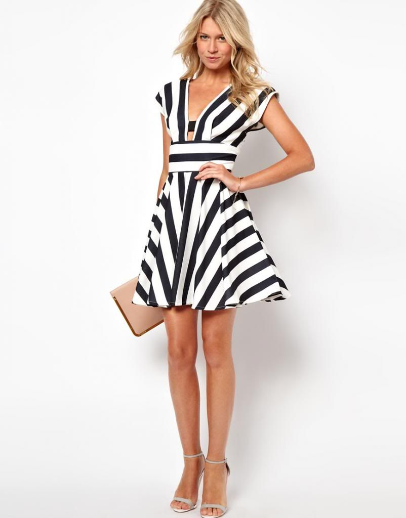 15 Cool Stripes Outfits For This Spring - Always in Trend | Always ...