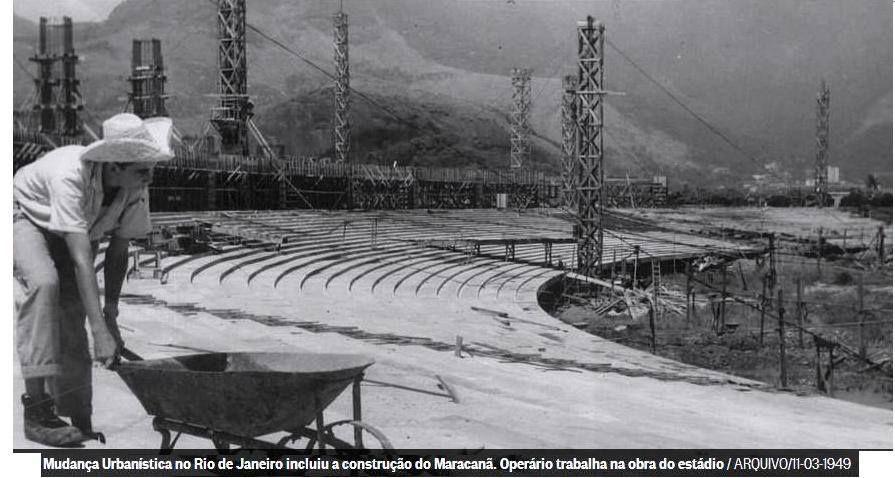 Construção do Maracanã.