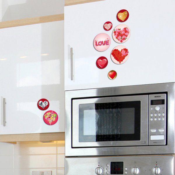 El diseño corazones contiene 14 imanes circulares en distintos tamaños, con imágenes alternativas de corazones a fullcolor.  $35,00