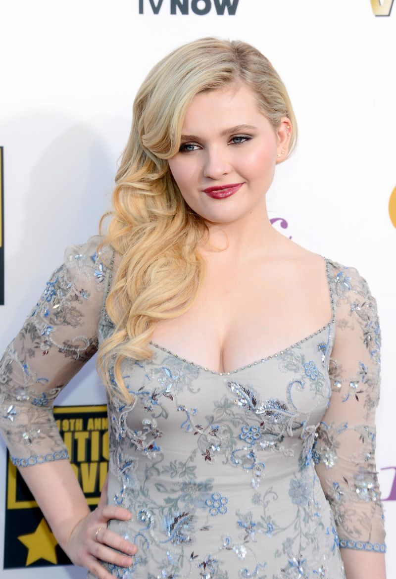 abigail breslin 2014 critics choice movie awards in
