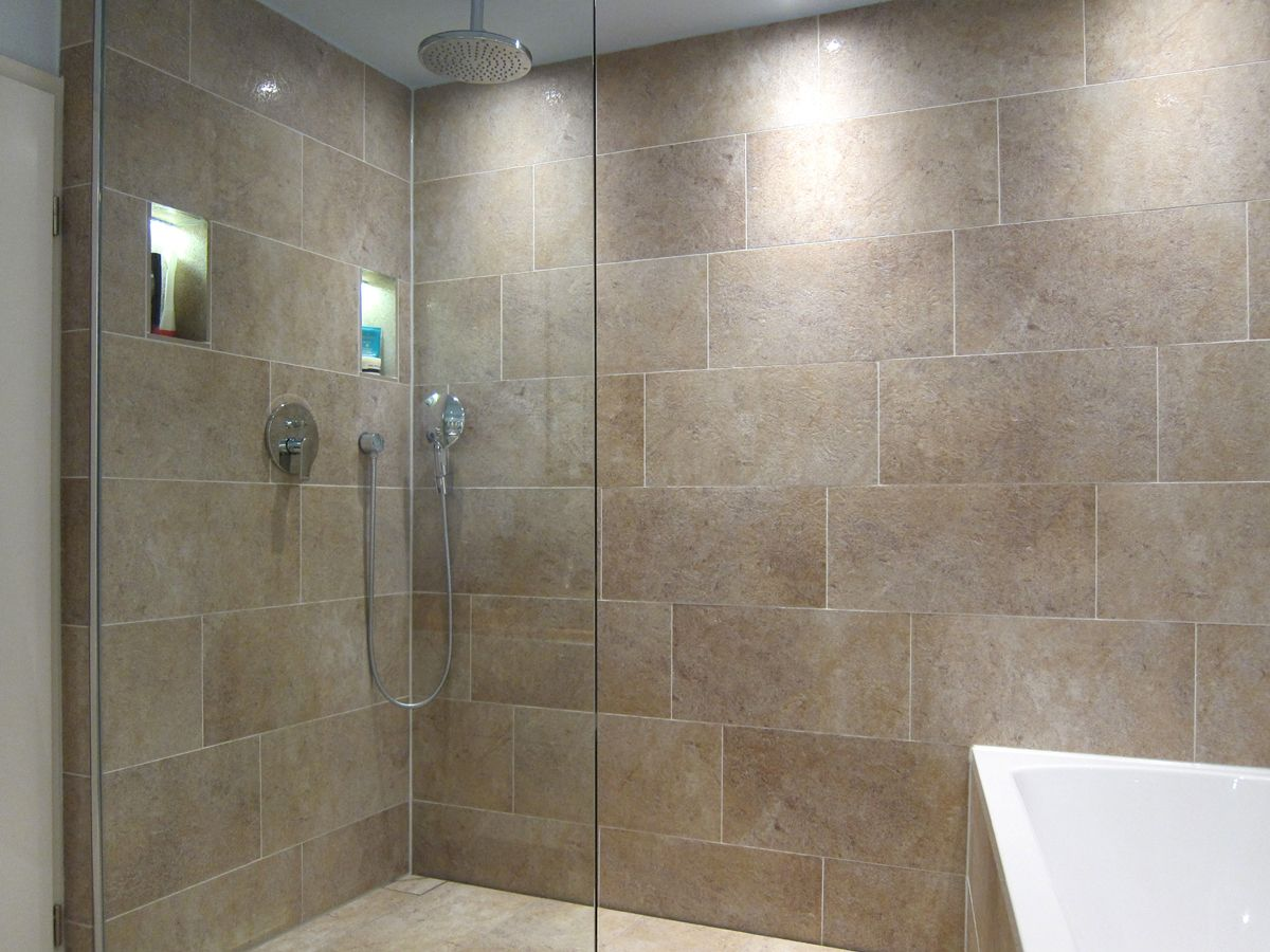 Grozgiger Duschbereich  Bad  Dusche Beleuchtung