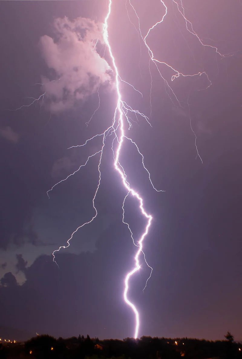 500 Lightning Images Download Free Images On Unsplash Izobrazheniya Neba Fotografii Zadnih Planov Zhivopisnye Pejzazhi