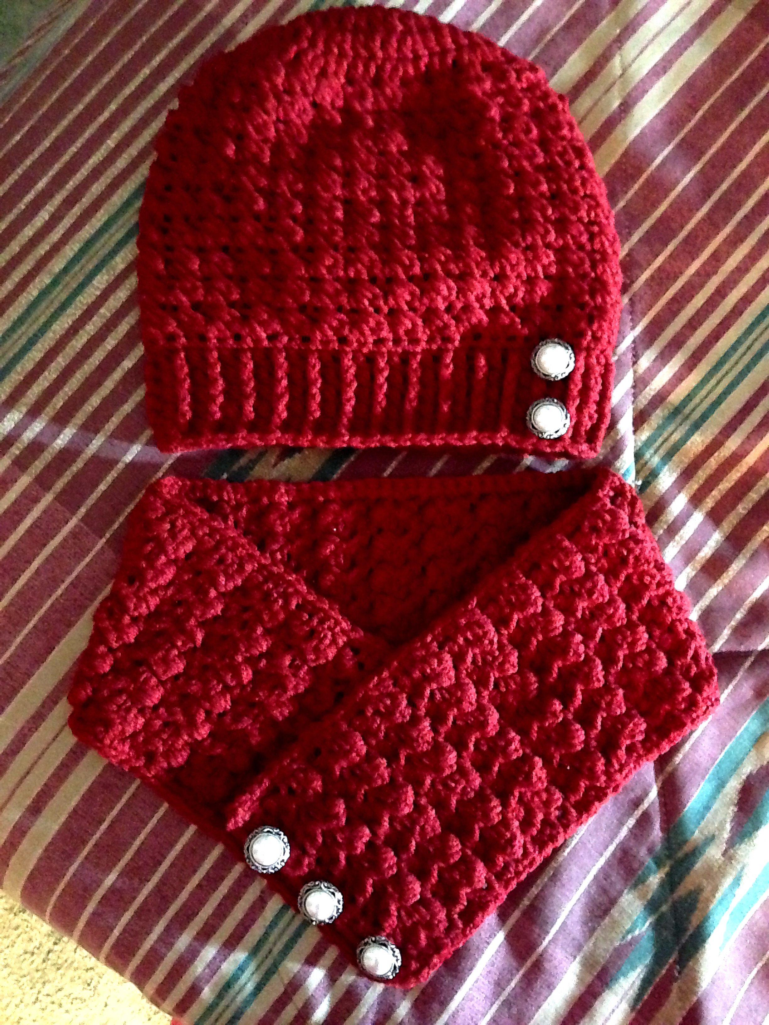 Clara Slouchy Hat and Neckwarmer - Crocheted by me: Juliana Stassen ...