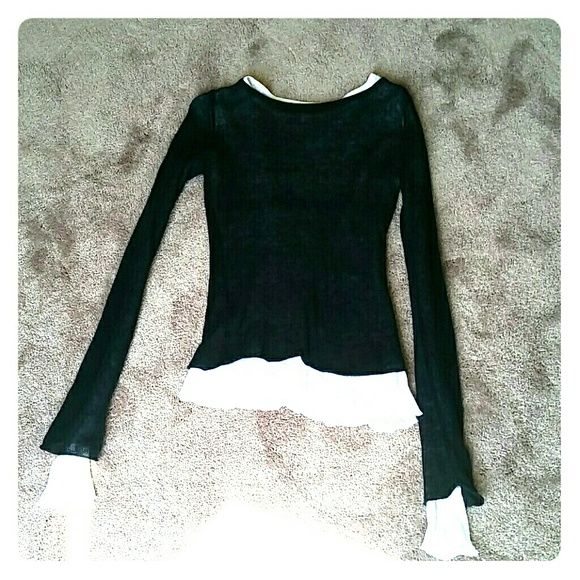 Top Layered black/white long sleeve top. Cute with jeans or shorts. Billabong Tops