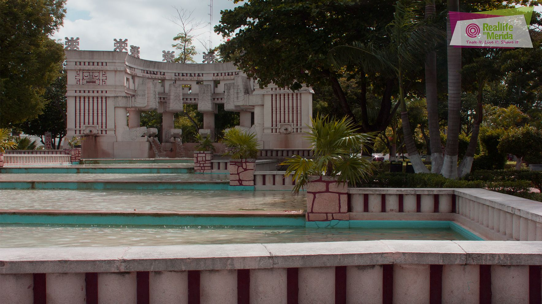 Descubre la historia de el parque de las Américas. https://www.facebook.com/MeridaEnLaHistoria/videos/558760880954208/