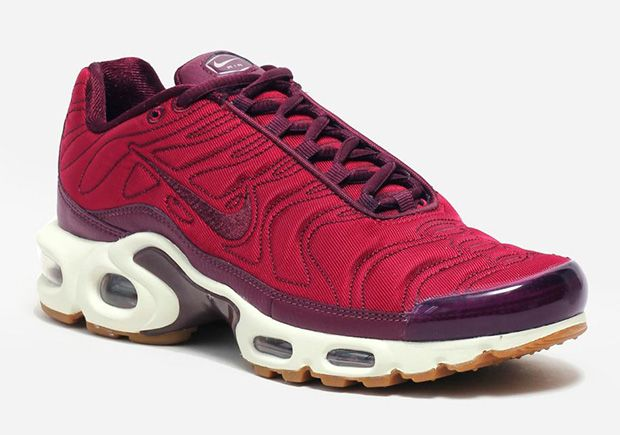 info for 05817 1280b ... where to buy the women get red velvet on this nike air max plus from the