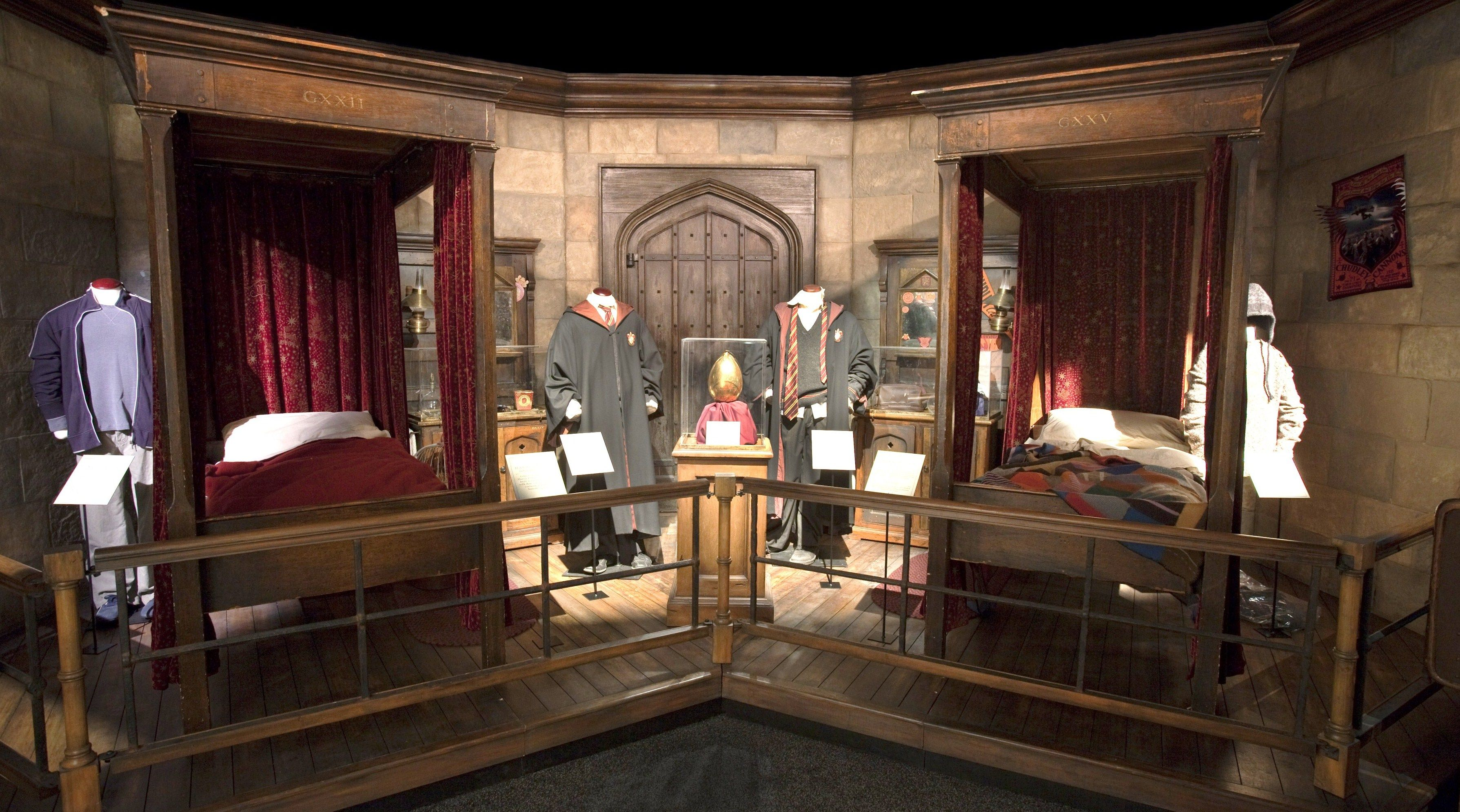 Hogwarts Bedroom This Is The Tour Display Of Harry Potter 39s Hogwarts