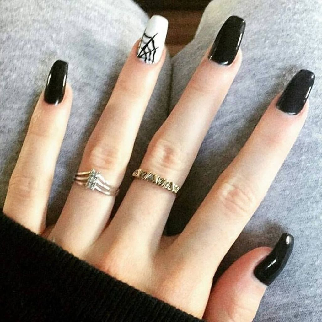 40 Totally Inspiring Spooky Nail Art Ideas You Should Try Halloween Nails Diy Halloween Nails Easy Halloween Nail Designs