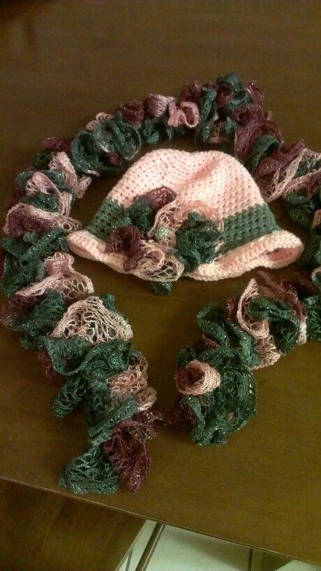 Cloche hat with scarf, love the sashay yarn | Crochet | Pinterest