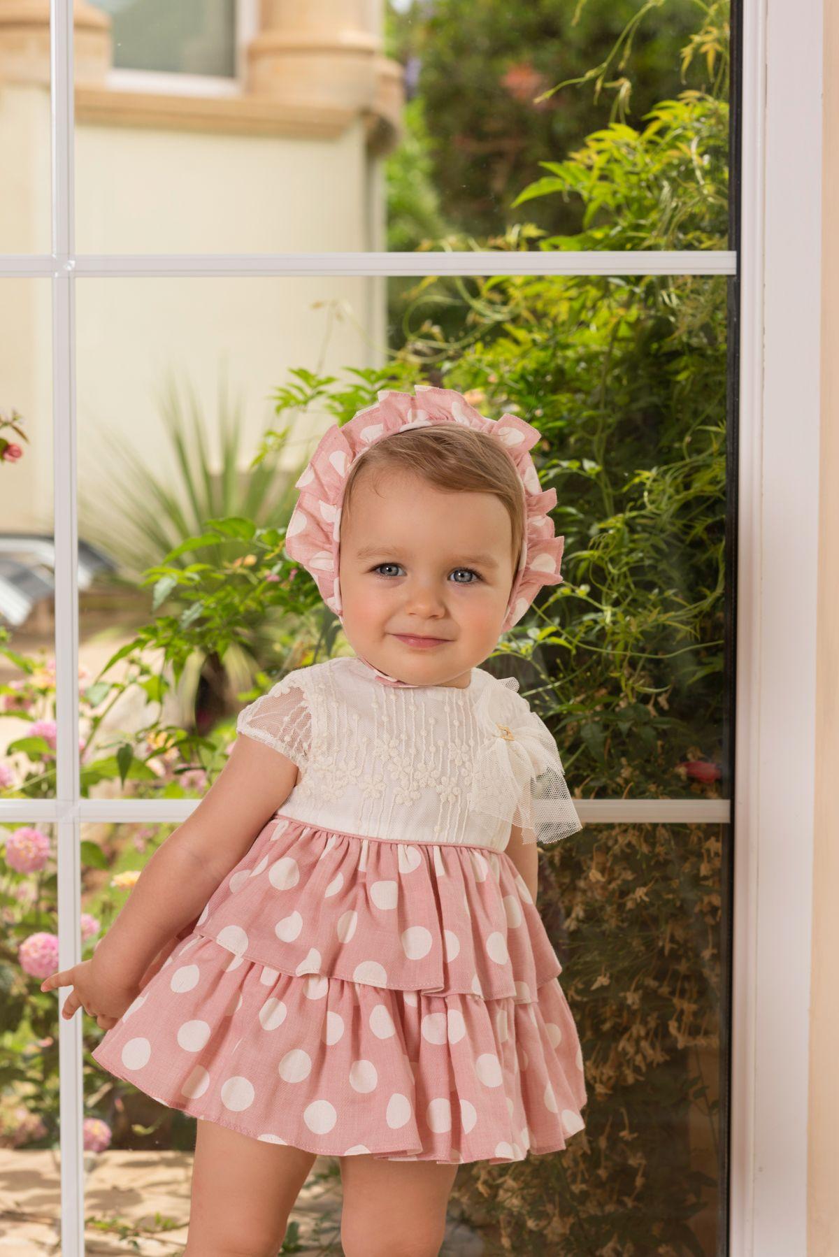869435421046a Conjunto para bebé niña compuesto por vestido con cuerpo de encaje en crudo  adornado de lazo