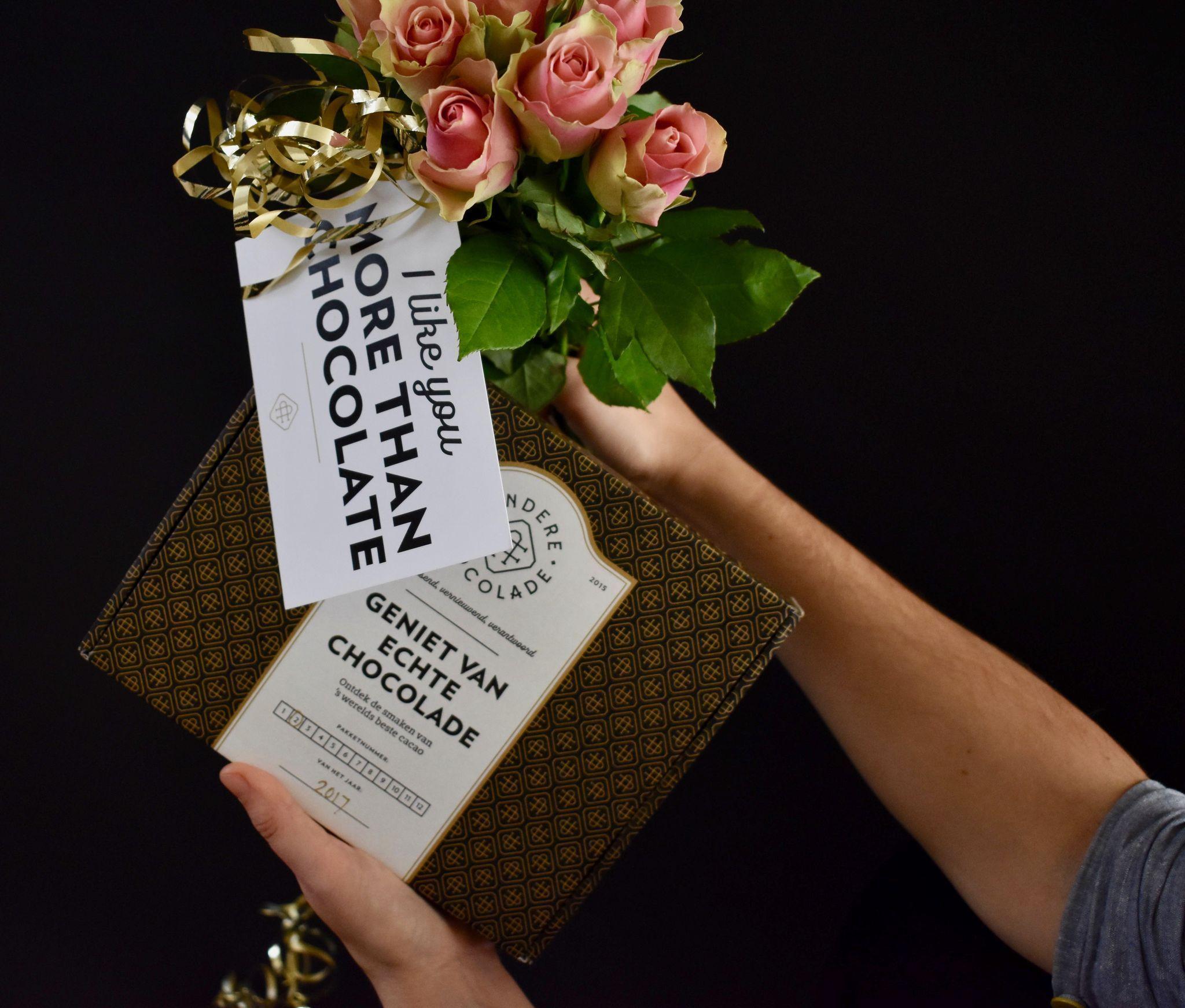 Deze hele maandeen gratis 'I like you more than chocolate' kaartje bij je bestelling! (jup het valentijnseizoen is écht geopend ) #valentijn #kado #anderechocolade #chocolade #gratis #quote #kaartje