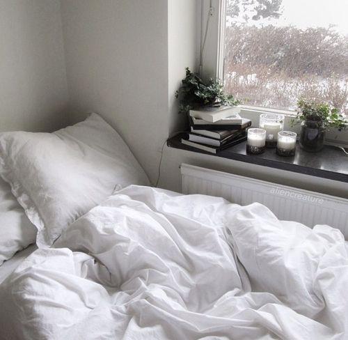 Aesthetic White Bed Tumblr