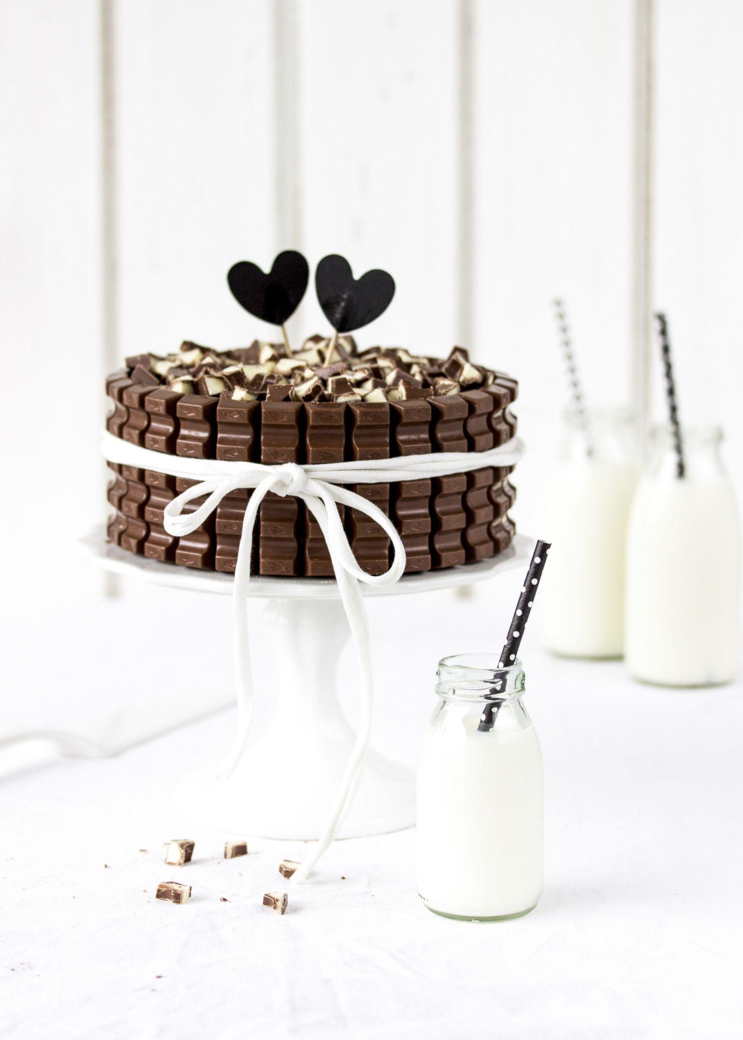 kinder schokolade torte mit beeren eine verlosung. Black Bedroom Furniture Sets. Home Design Ideas