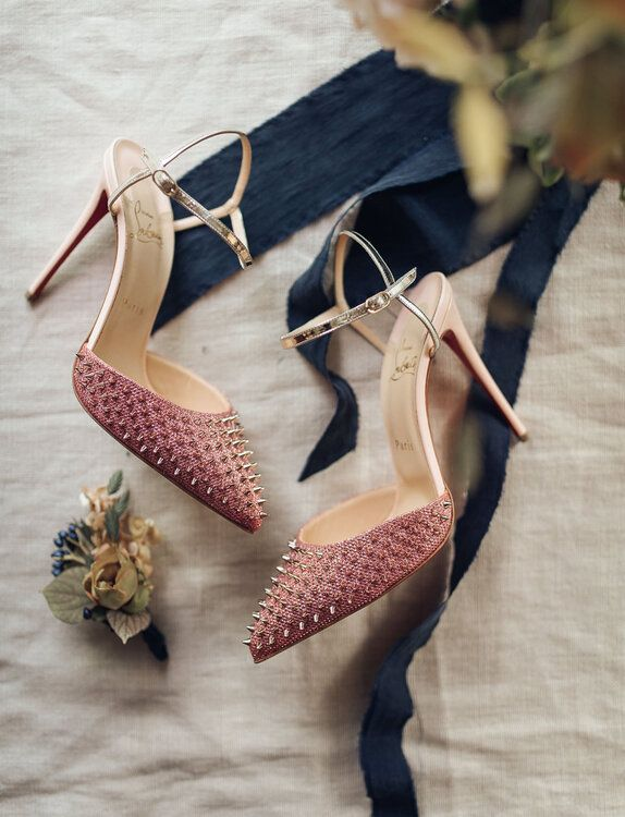 100 sapatos de noiva que não vai querer deixar escapar!