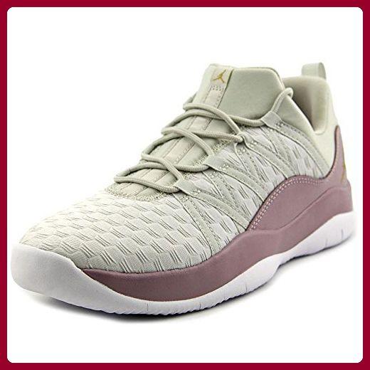 Nike Damen Jordan Deca Fly Prem HC GG Basketballschuhe, Beige (Light Bone / Metallic Gold-Plum Fog-White), 38 EU - Sneakers für frauen (*Partner-Link)