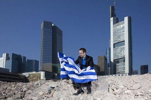 """Die griechische Lektion – entrechtet und enteignet    """"Welt""""-Autor Frank Stocker hat 2010 Griechenland-Anleihen gekauft. So wollte er helfen, den Euro zu retten. Gedankt wurde es mit Rechtsbrüchen. Eine Abrechnung."""