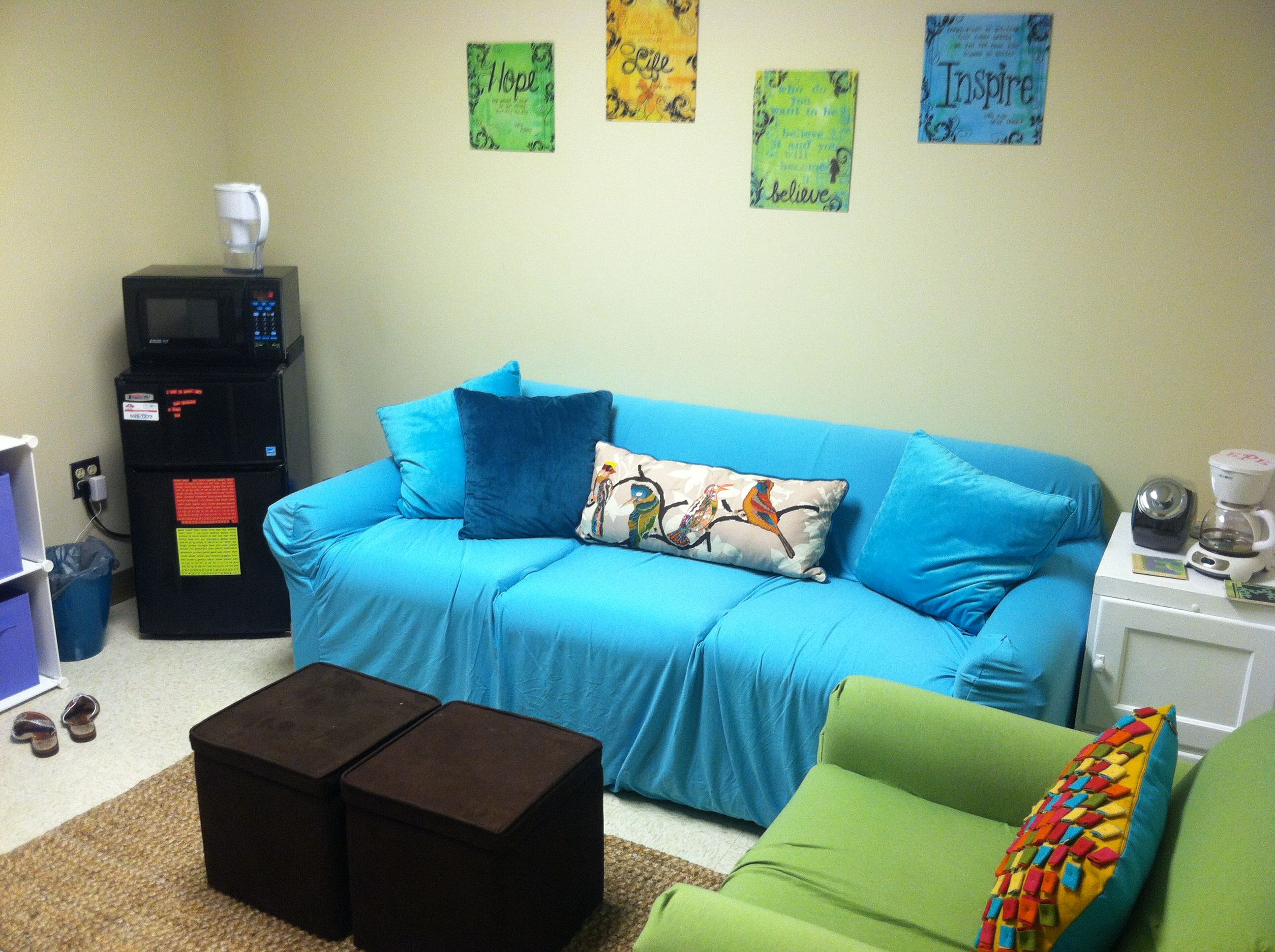 Pin By Hannah Mae Lovorn On My Own Common Room Room Seating Girls Dorm Room