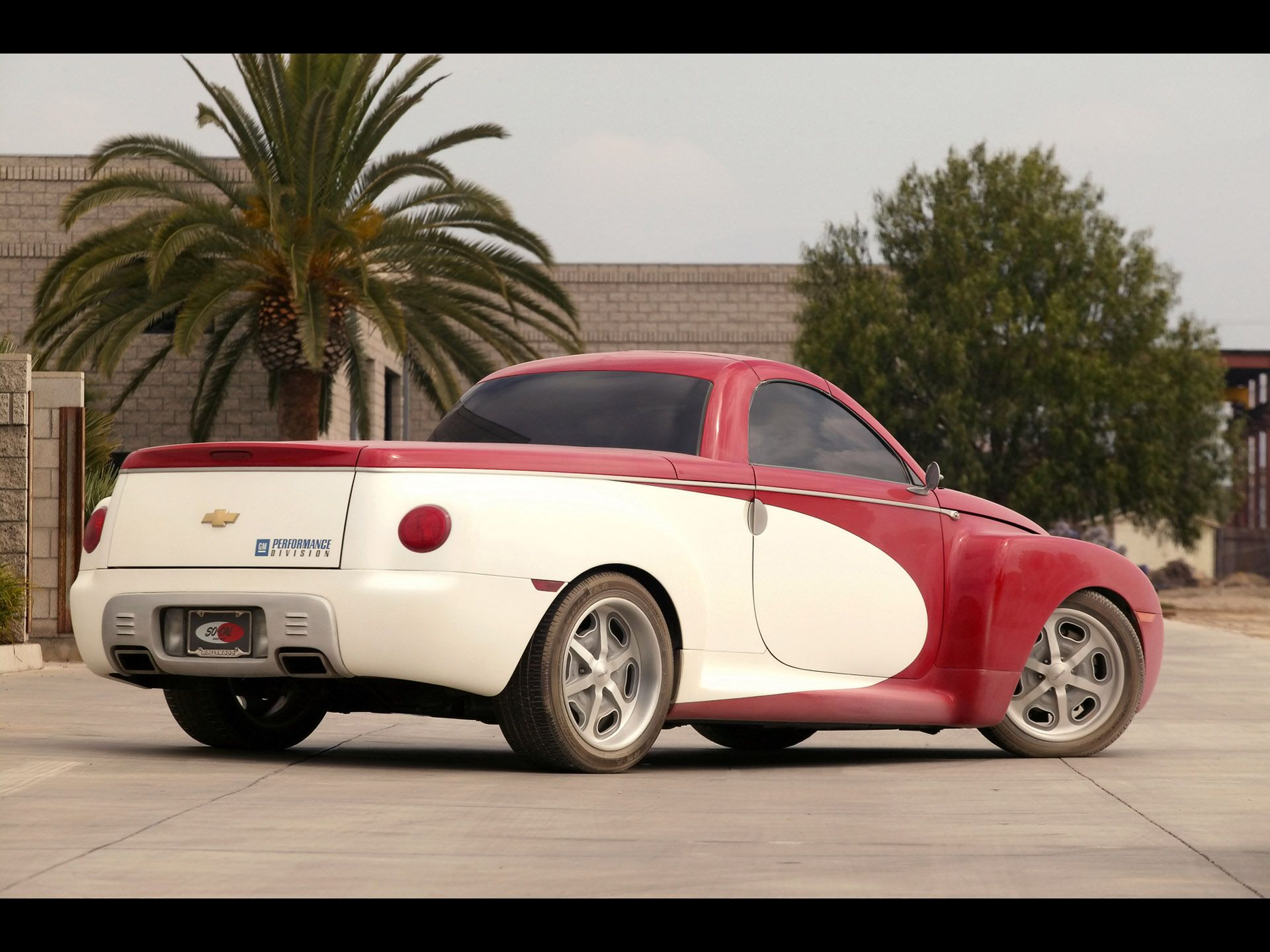 Chevrolet Ssr Review And Photos Chevrolet Ssr Chevrolet Chevy Ssr