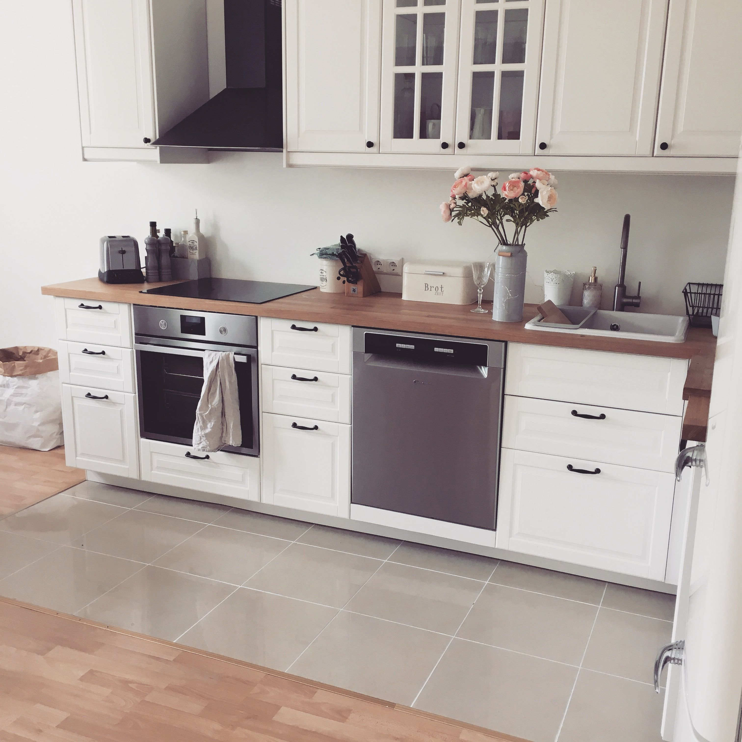 Lieblingsplatz - Ikea-Küche - Landhausstil -bodbyn #ikea #küche ...