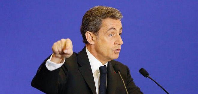 O Σαρκοζί επαναφέρει το θέμα της εθνικής ταυτότητας στη Γαλλία