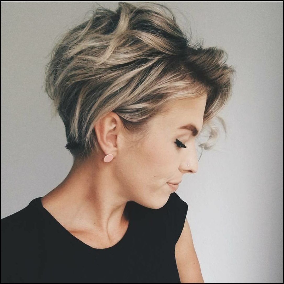 10 Messy Hairstyles For Short Hair Quick Chic Women Short Thick Hair Styles Short Hair Styles Hair Styles