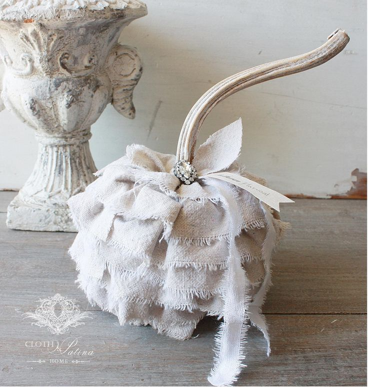 More Shabby Chic Halloween Interior Decor Ideas: Pin By B Underwood On Holiday Ideas