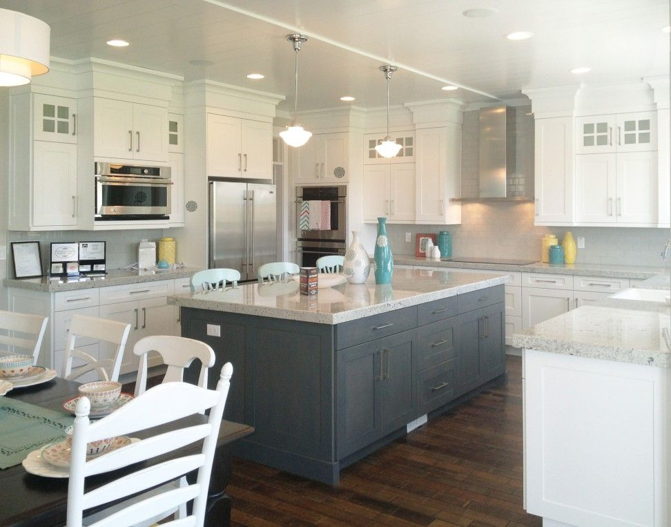 Transitional Kitchen Designs Photo Gallery | Door Style Index Finish  Peppercorn