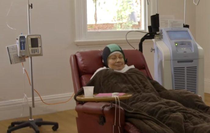 #Un bonnet pour réduire la chute des cheveux dû aux chimiothérapies - l'avenir.net: l'avenir.net Un bonnet pour réduire la chute des…