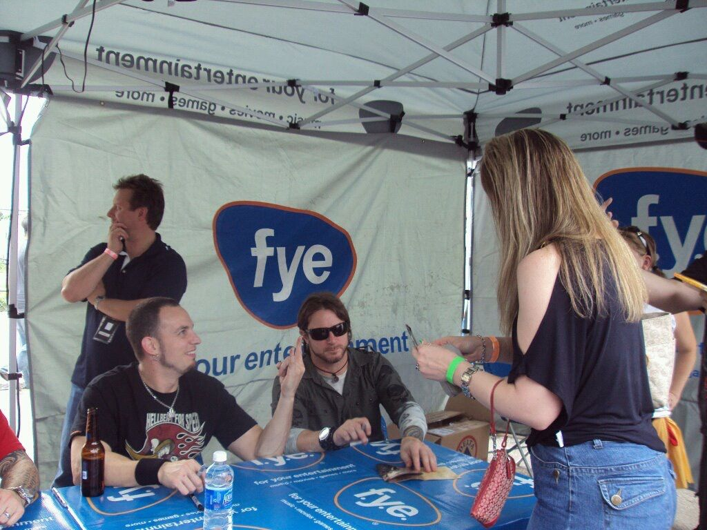 Alter bridge meet and greet a fantastic experience they were so alter bridge meet and greet a fantastic experience they were so welcoming and funny ill never forget meeting them kristyandbryce Choice Image