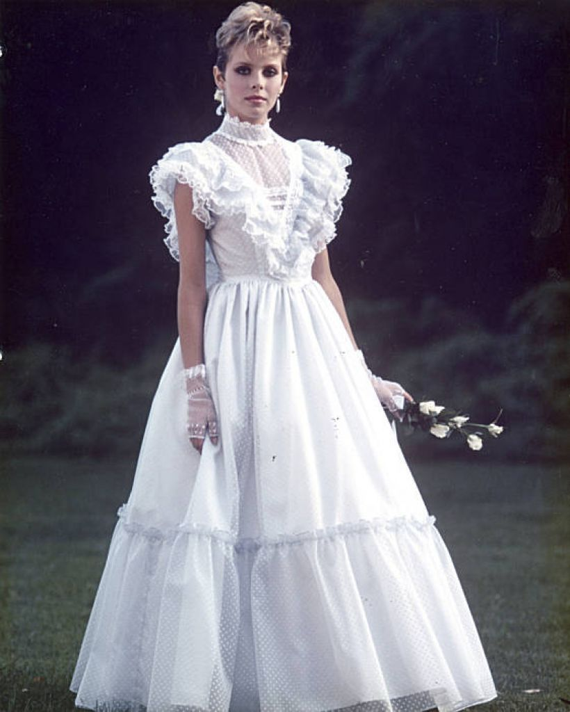 Design empire began with gunne sax gunne sax 1980s and 1960s jessica mcclintock inc founded in the late 1960s in san francisco and famed for ombrellifo Images
