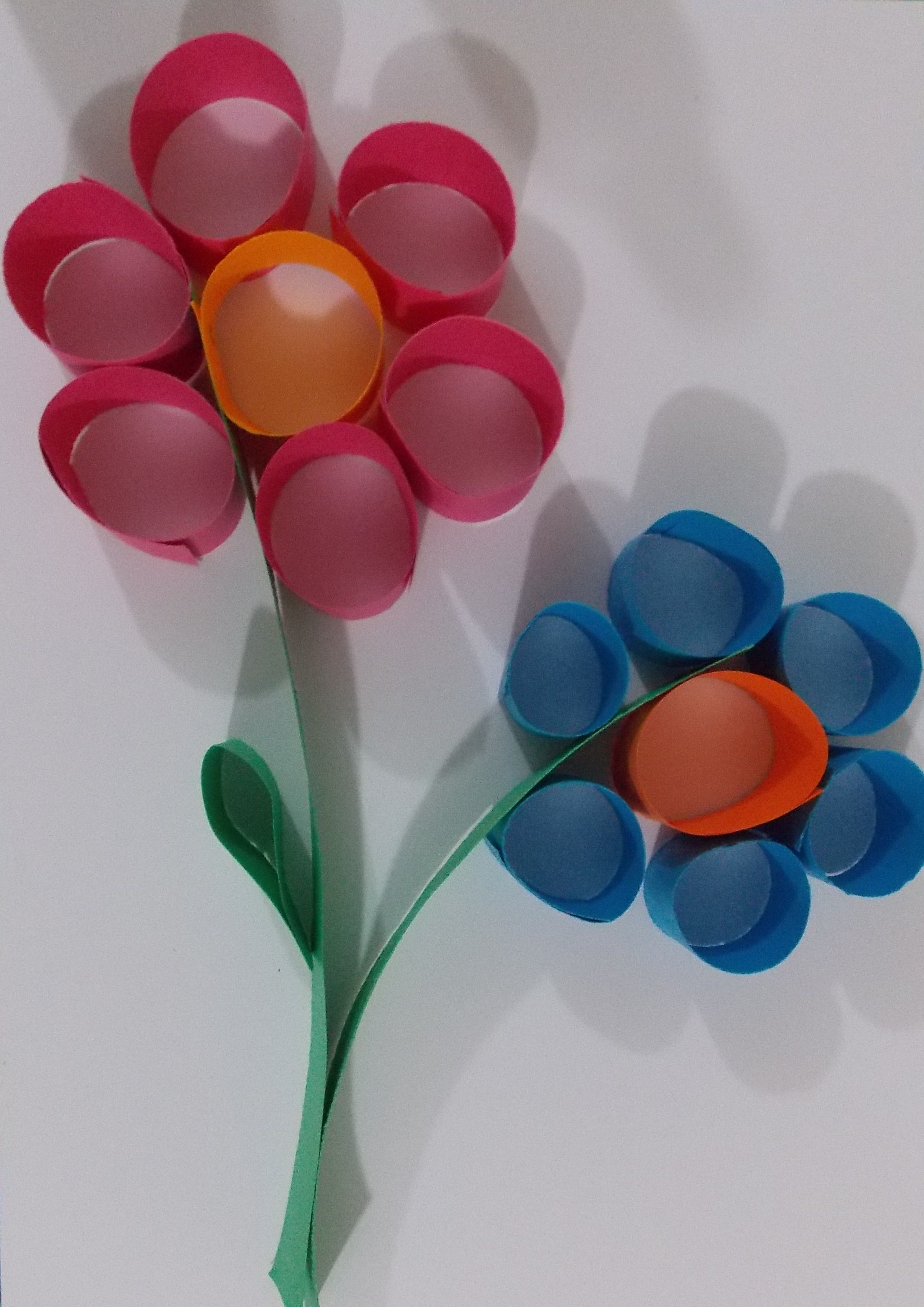 Flower paper craft easy paper crafts easy art projects for Simple handicraft project