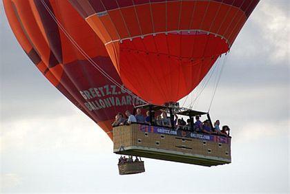 Vandaag opnieuw luchtballonnen in Waregem : Muziekmuseum Vlaanderen