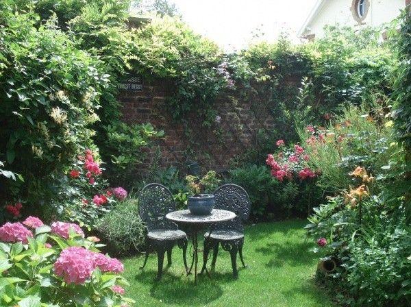 Petit Jardin De Ville Avec Images Petits Jardins