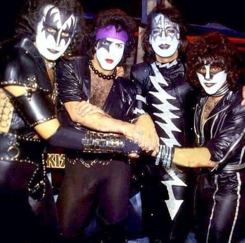 Pin By Joseph Frager On Kiss 1973 1983 Kiss Concert Kiss Band Eric Carr