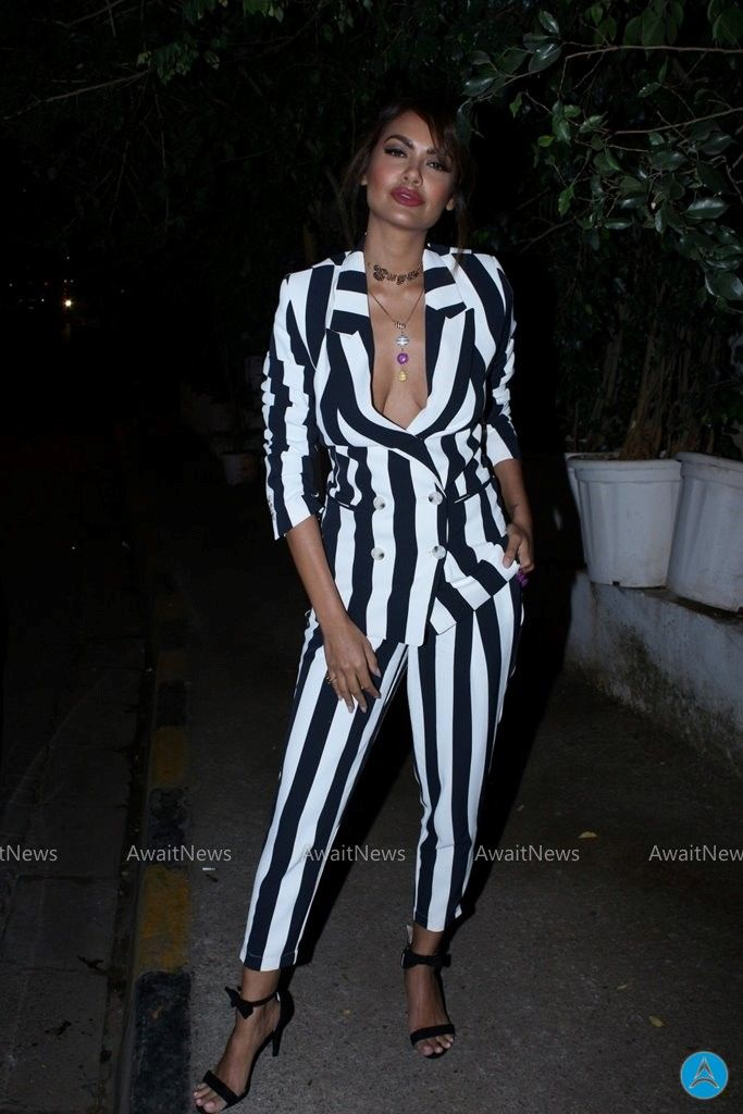 Esha Gupta, Entertainment Photo, So, Whats for lunch: DT