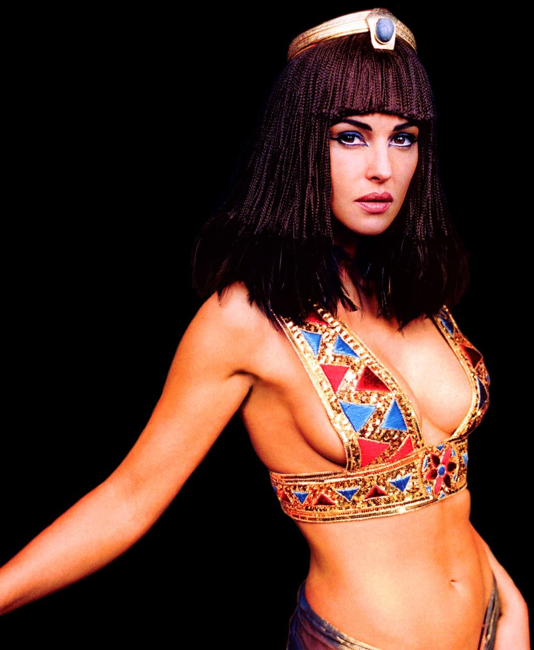 New Cleopatra Movie Bellucci As Cleopatra Asterix And
