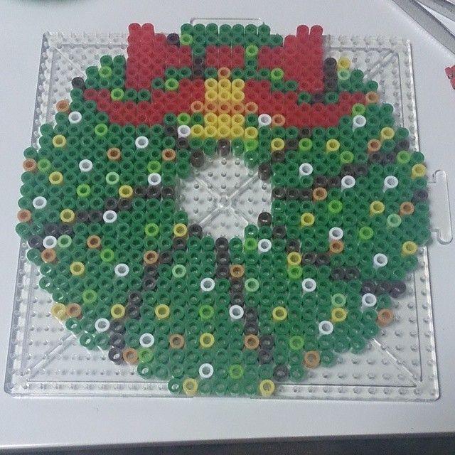 Christmas wreath perler beads by ayakabado