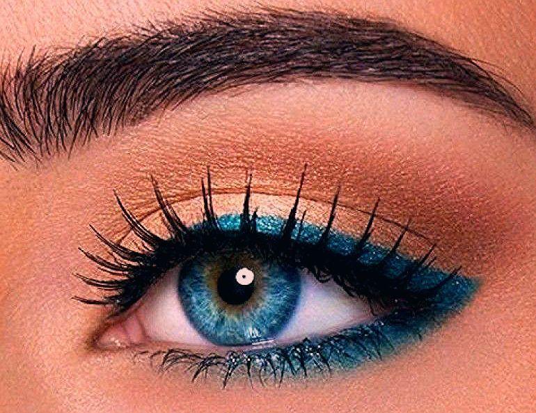 35 idées de make-up pour les yeux bleus