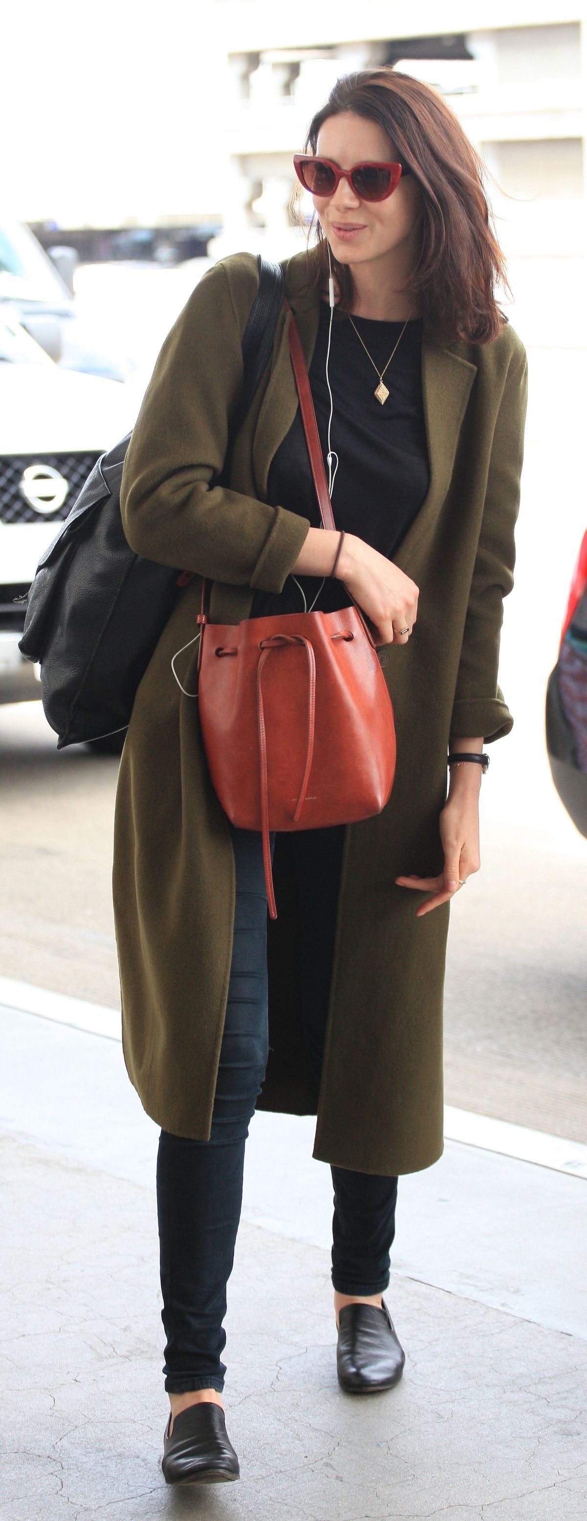 Outlander Actress Caitriona Balfe Arrives In A Olive Green Coat