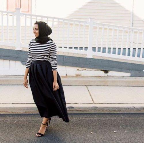 93cf40745b striped blouse with black maxi skirt- Hijab lookbook ideas http   www.
