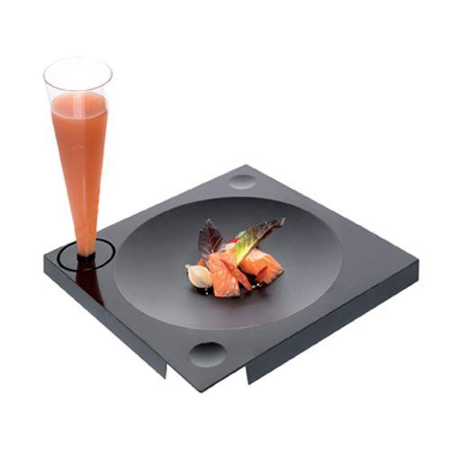 EGO  #Piatto cocktail estetico e pratico, è dotato di incastro per il bicchiere e per le posate.  Adatto ai bicchieri Conik e Maxiglass 15F, ed alle posate stick XL e Mini Torsa  http://chsonline.it/p-136!3!27---EGO