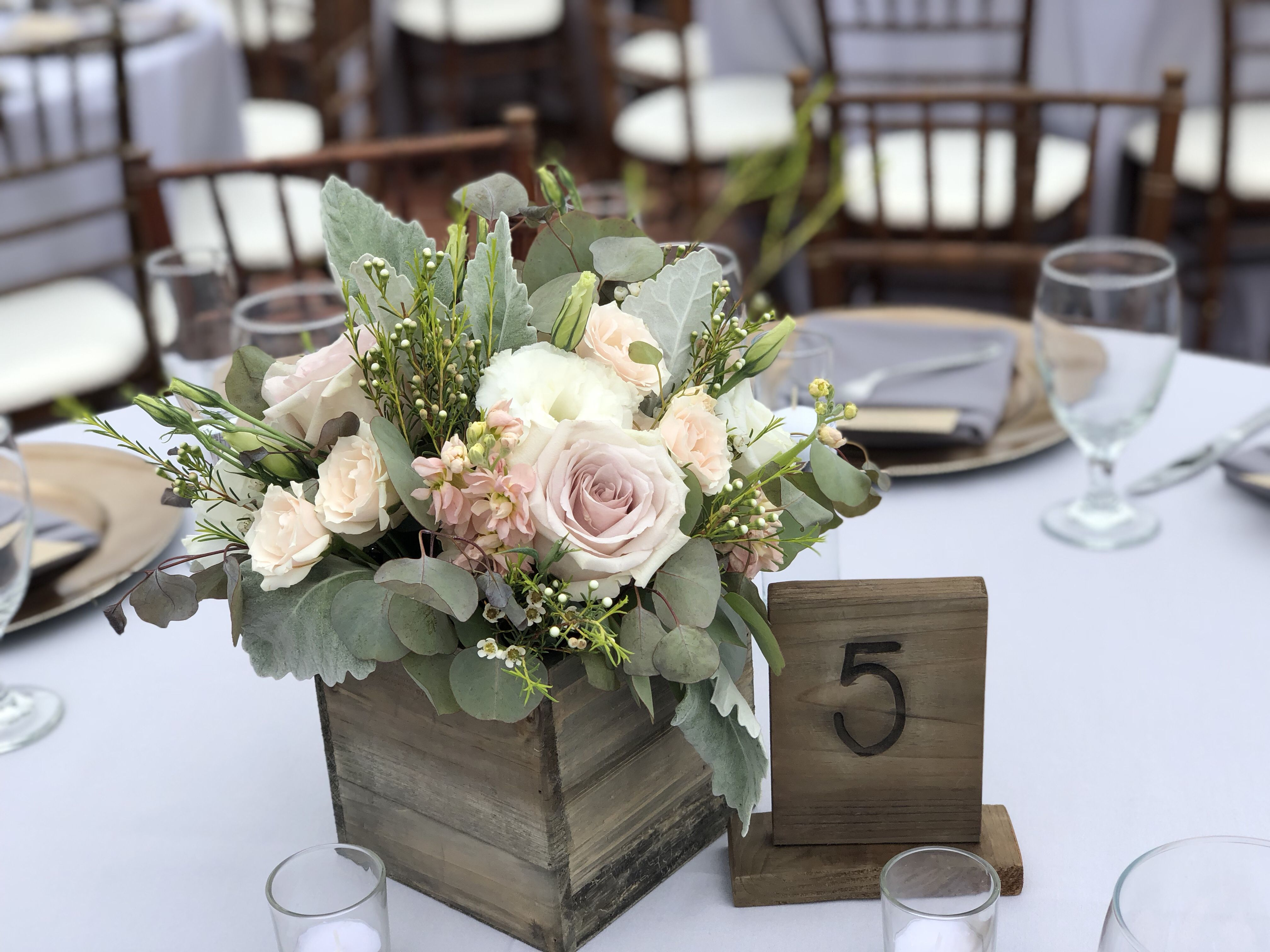 Rustic Blush Centerpiece #woodenflowerboxes