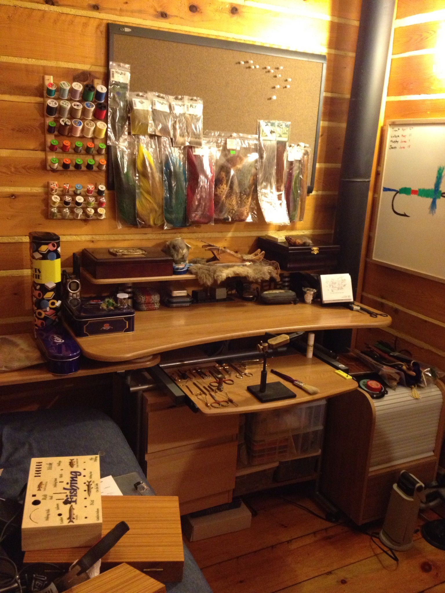 Fly Tying Desks And Benches - Fly tying station kinda like mine only i use a norvise