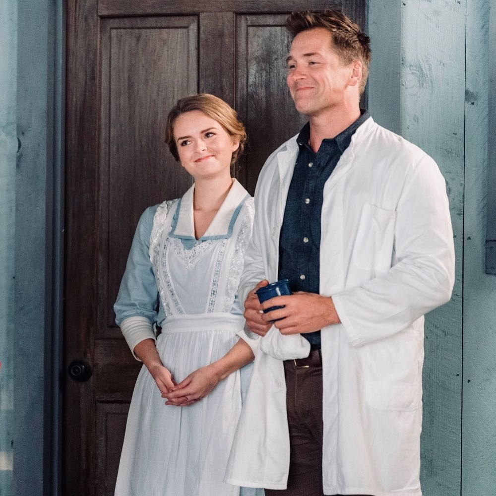 Nurse Faith And Doctor Carson When Calls The Heart Season 5