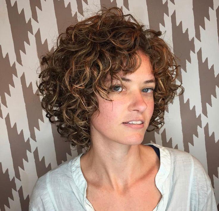 curls with layers   lockige frisuren, haarschnitt, bob