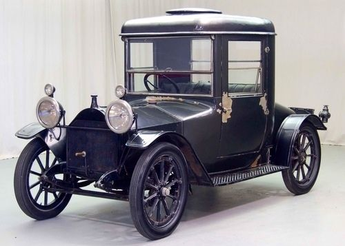 Hupmobile Was An American Car Brand Founded By The Brothers Hupp In Detroit Which Built Cars Between 1909 And 1940 This Ca Cars Vintage Cars Antique Cars